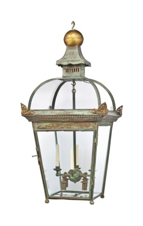 A PATINATED AND PARCEL-GILT COPPER OVERSIZED 'DOME-TOPPED' H