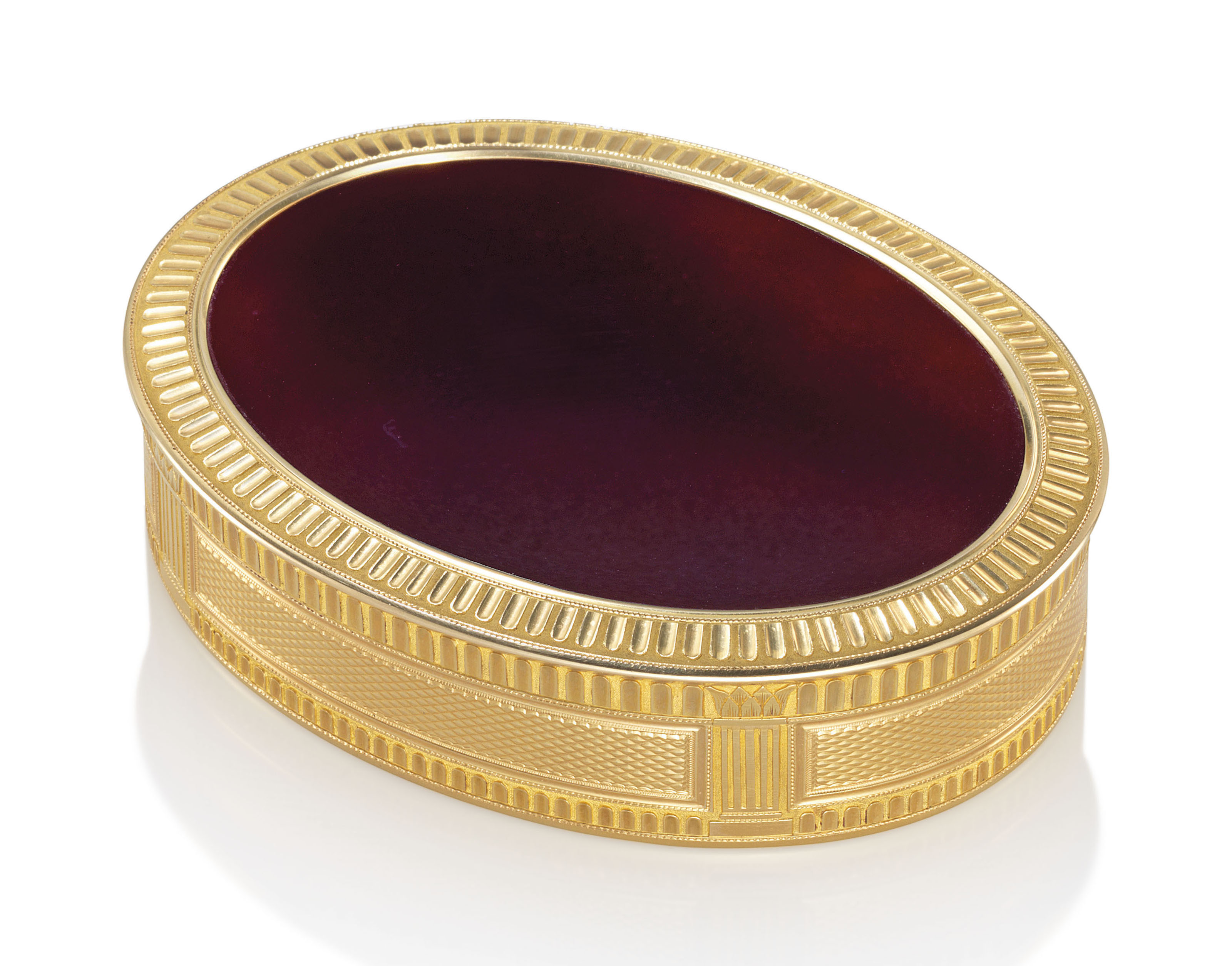 A FRENCH GOLD AND HARDSTONE SNUFF-BOX