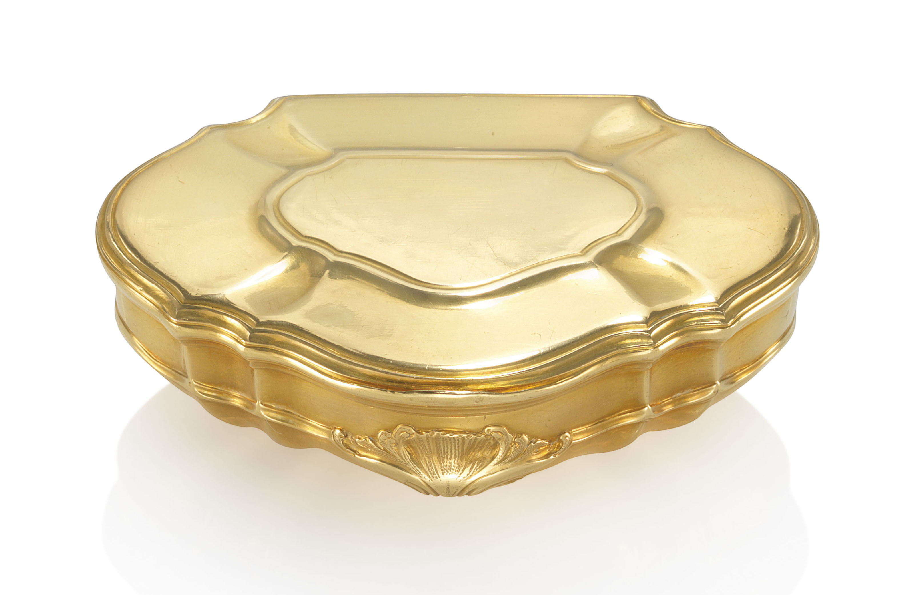 A LOUIS XV GOLD SNUFF-BOX