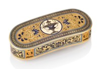 A FRENCH PARCEL-ENAMELLED GOLD SNUFF-BOX