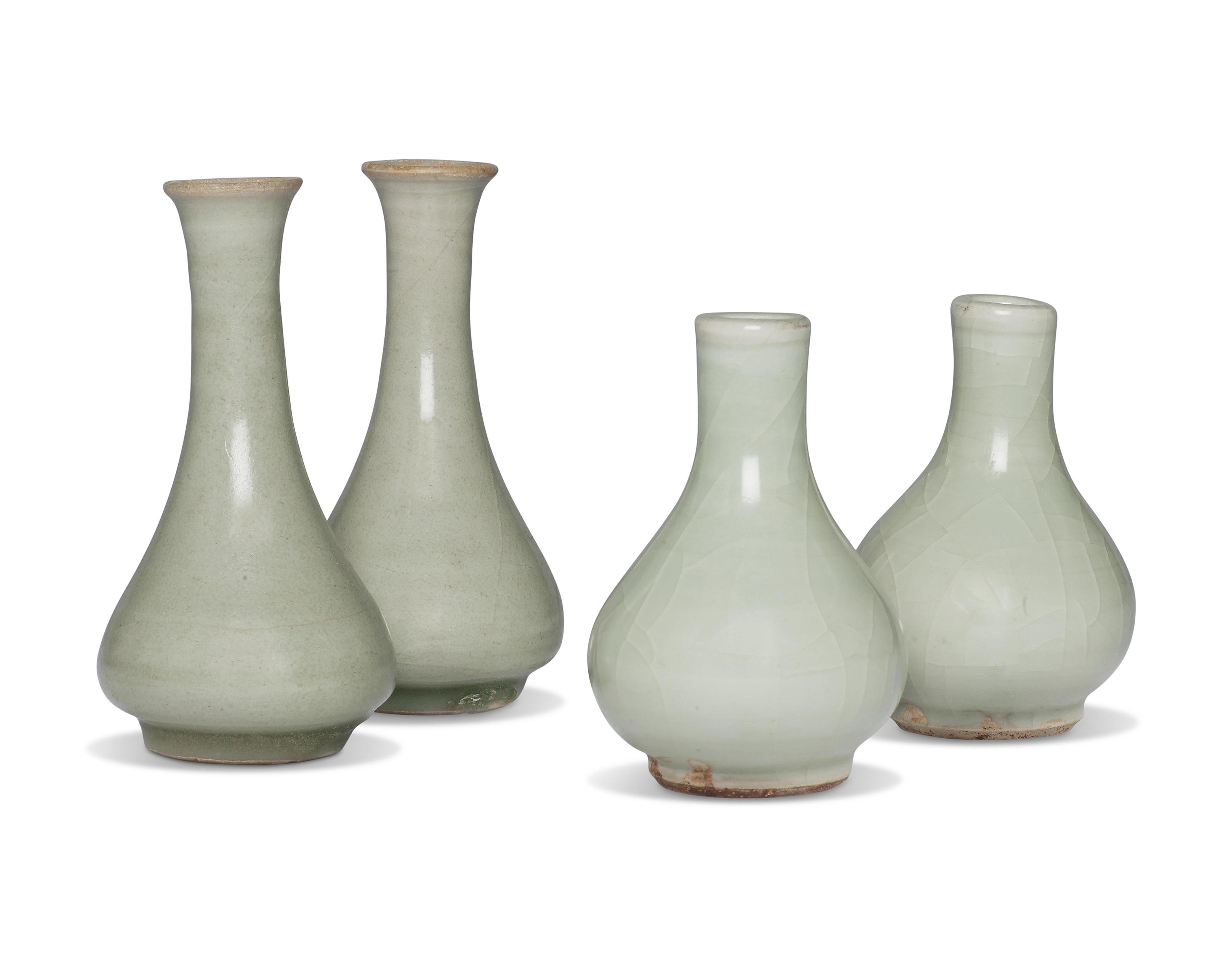 元/明 龙泉青釉瓶一对及粉青釉瓶一对 一组四件