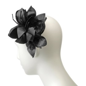 A HAIR ORNAMENT IN THE FORM OF A POSY OF THREE BLACK LACQUER