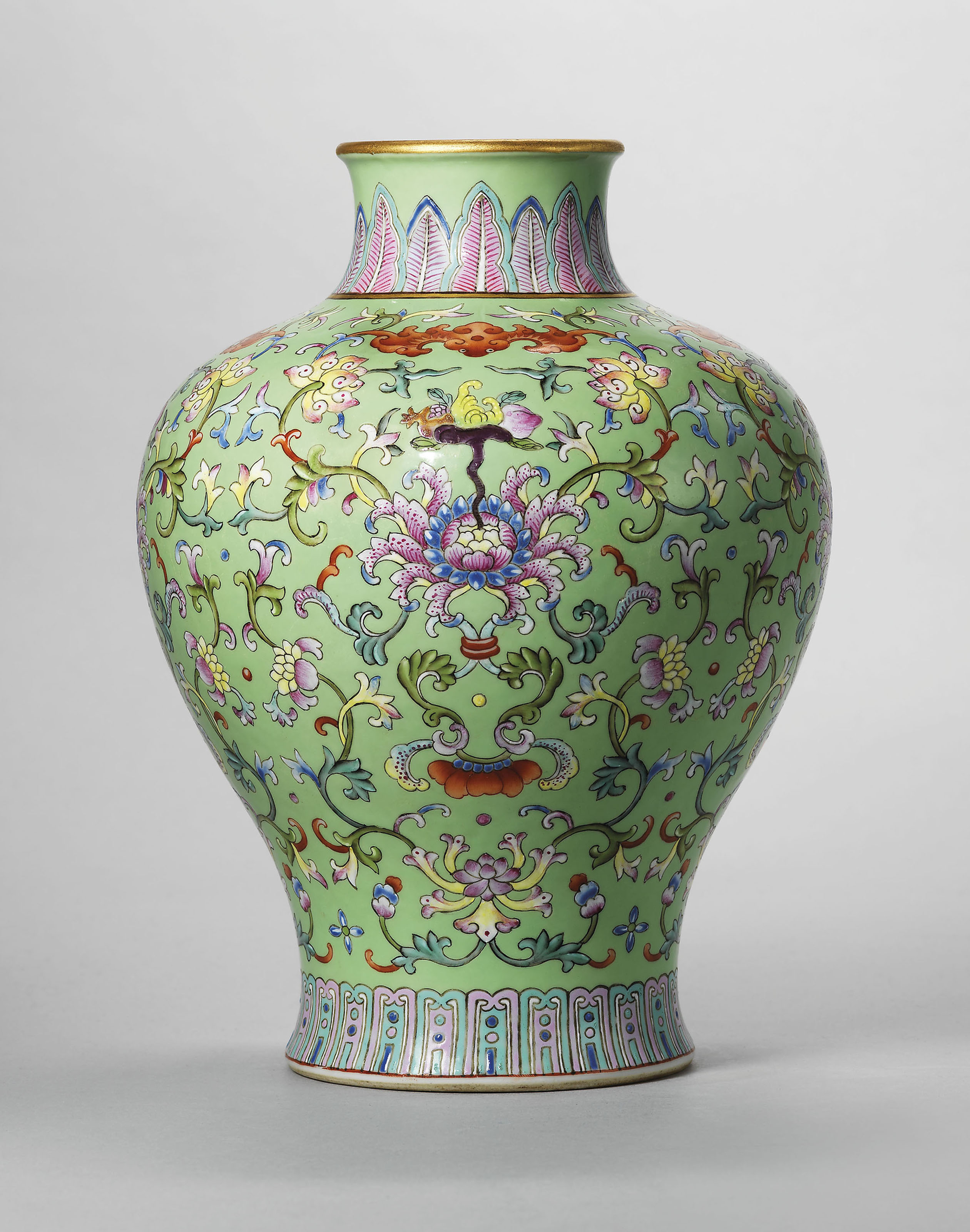A guide to the symbolism of flowers on Chinese ceramics | Christie's