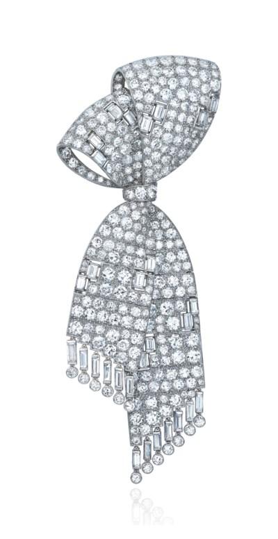EARLY 20TH CENTURY DIAMOND BRO
