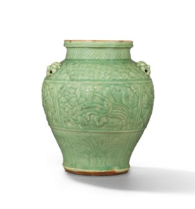 AN IMPORTANT AND EXTREMELY RARE CARVED LONGQUAN CELADON JAR