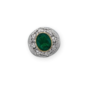 AN EMERALD AND DIAMOND RING, BY BUCCELLATI