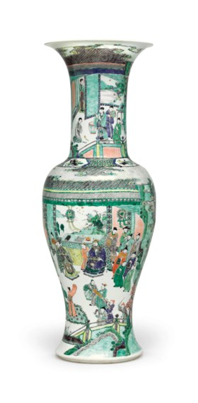 A LARGE AND FINELY PAINTED FAMILLE VERTE 'PHOENIX TAIL' VASE