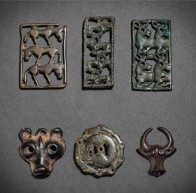 A GROUP OF SIX SMALL BRONZE ANIMAL ORNAMENTS