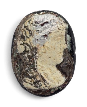 AN EGYPTIAN GLASS CAMEO OF A PTOLEMAIC QUEEN
