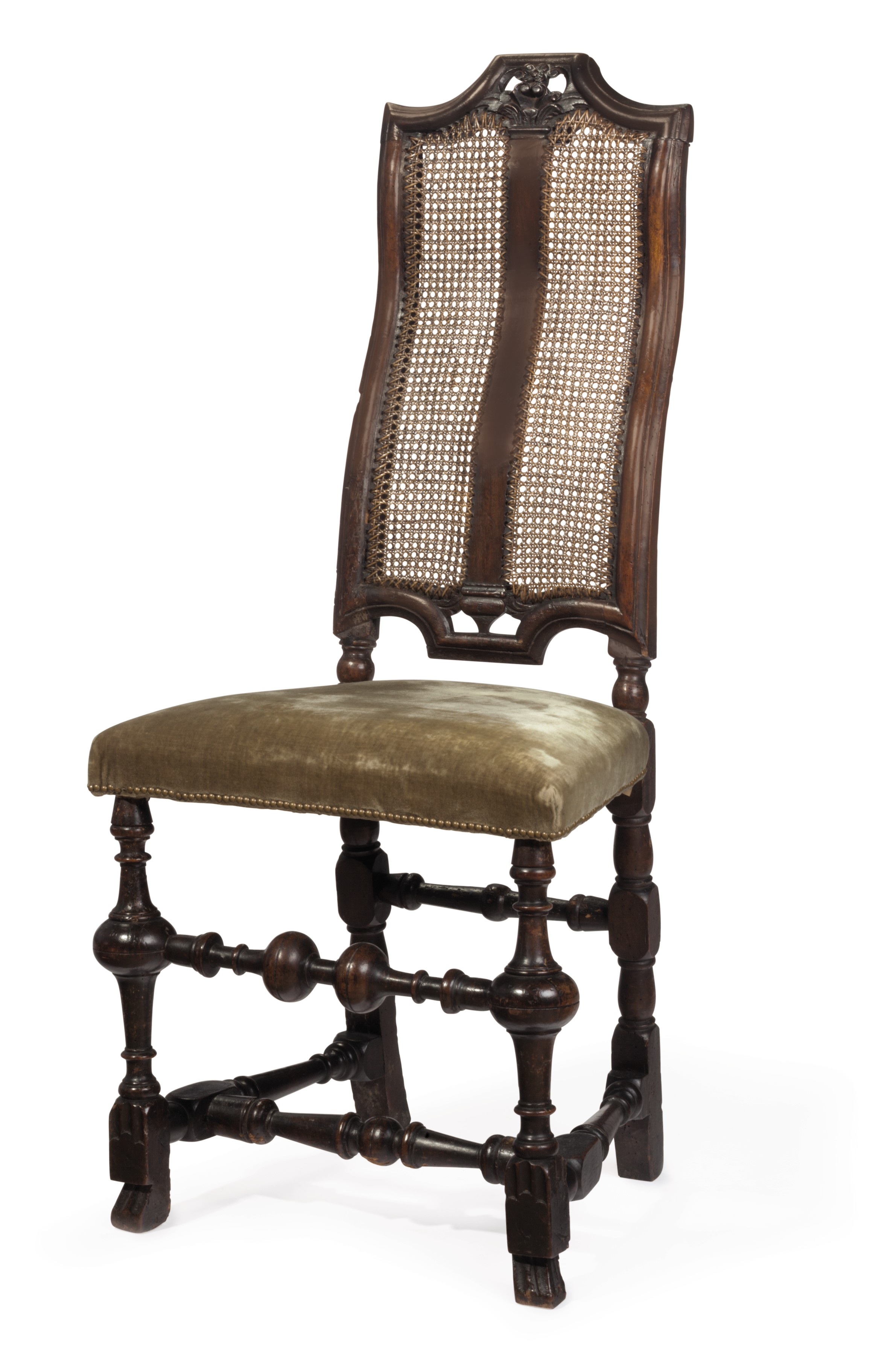A WILLIAM AND MARY WALNUT SIDE CHAIR