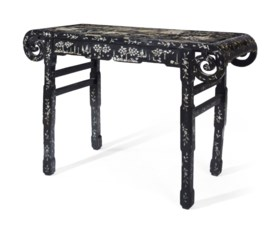 A CHINESE BLACK LACQUER AND MOTHER-OF-PEARL INLAID ALTAR TAB