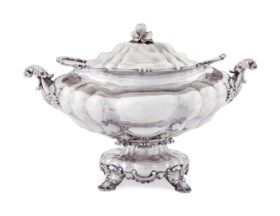 A RUSSIAN SILVER OVAL SOUP TUREEN AND COVER