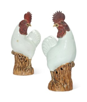 A PAIR OF CHINESE EXPORT MODELS OF COCKRELS