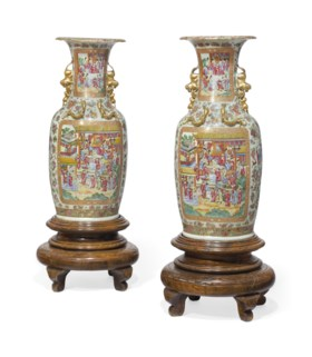 A PAIR OF LARGE CHINESE EXPORT CANTON FAMILLE ROSE VASES
