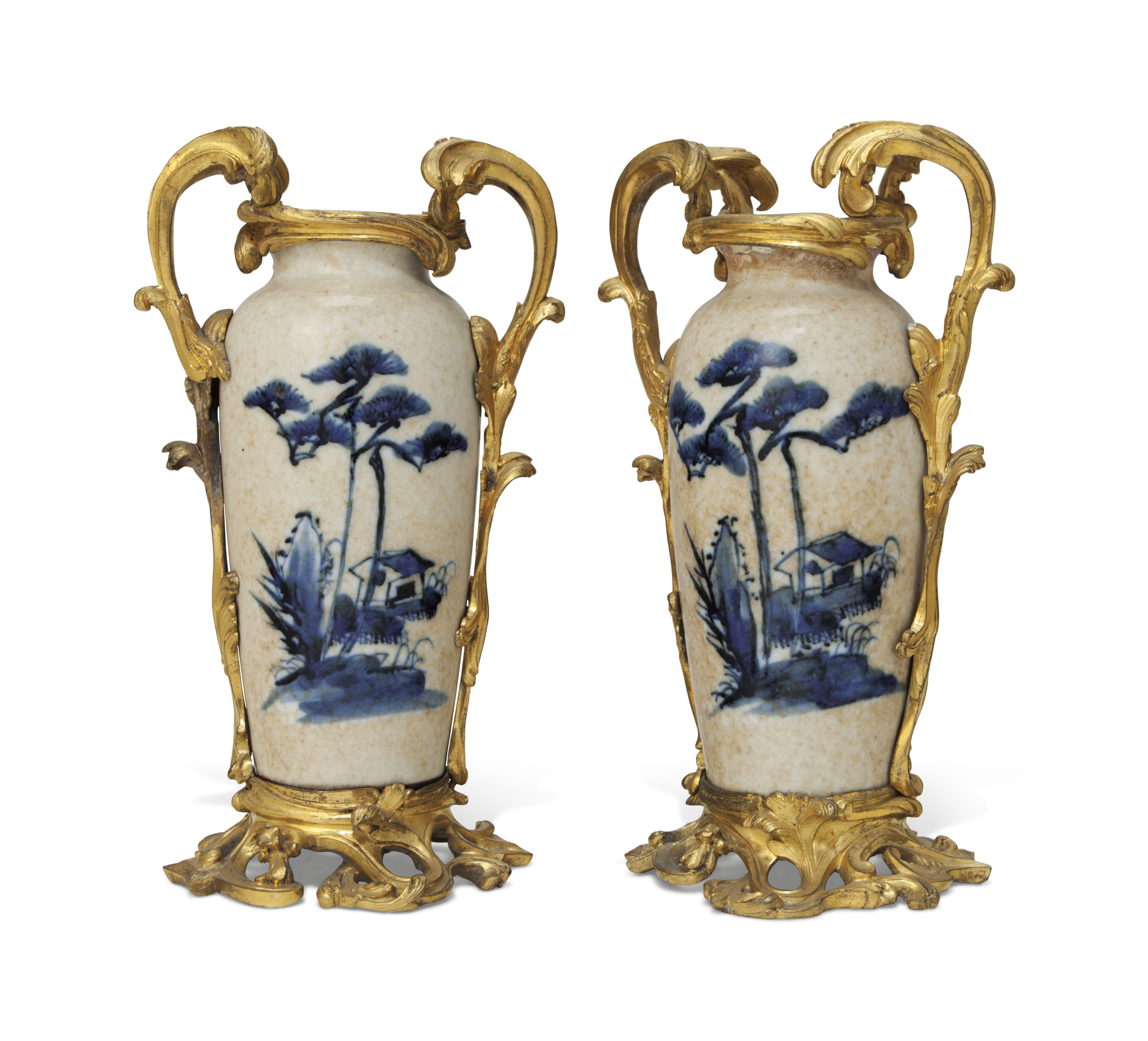 A PAIR OF FRENCH ORMOLU-MOUNTED CHINESE PORCELAIN VASES