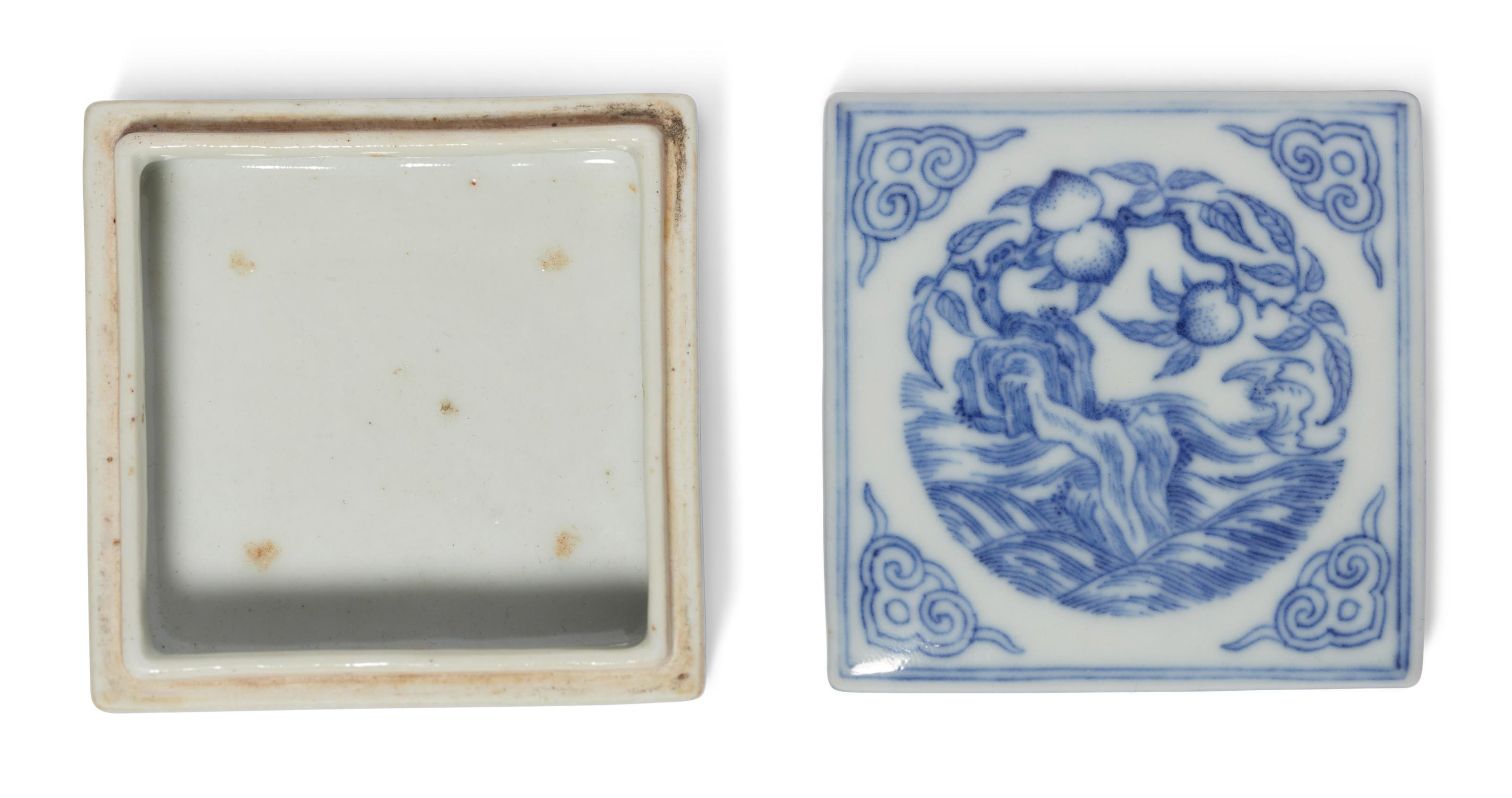 清十八/十九世纪 青花福寿纹盖盒
