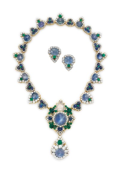 A SET OF SAPPHIRE, EMERALD AND