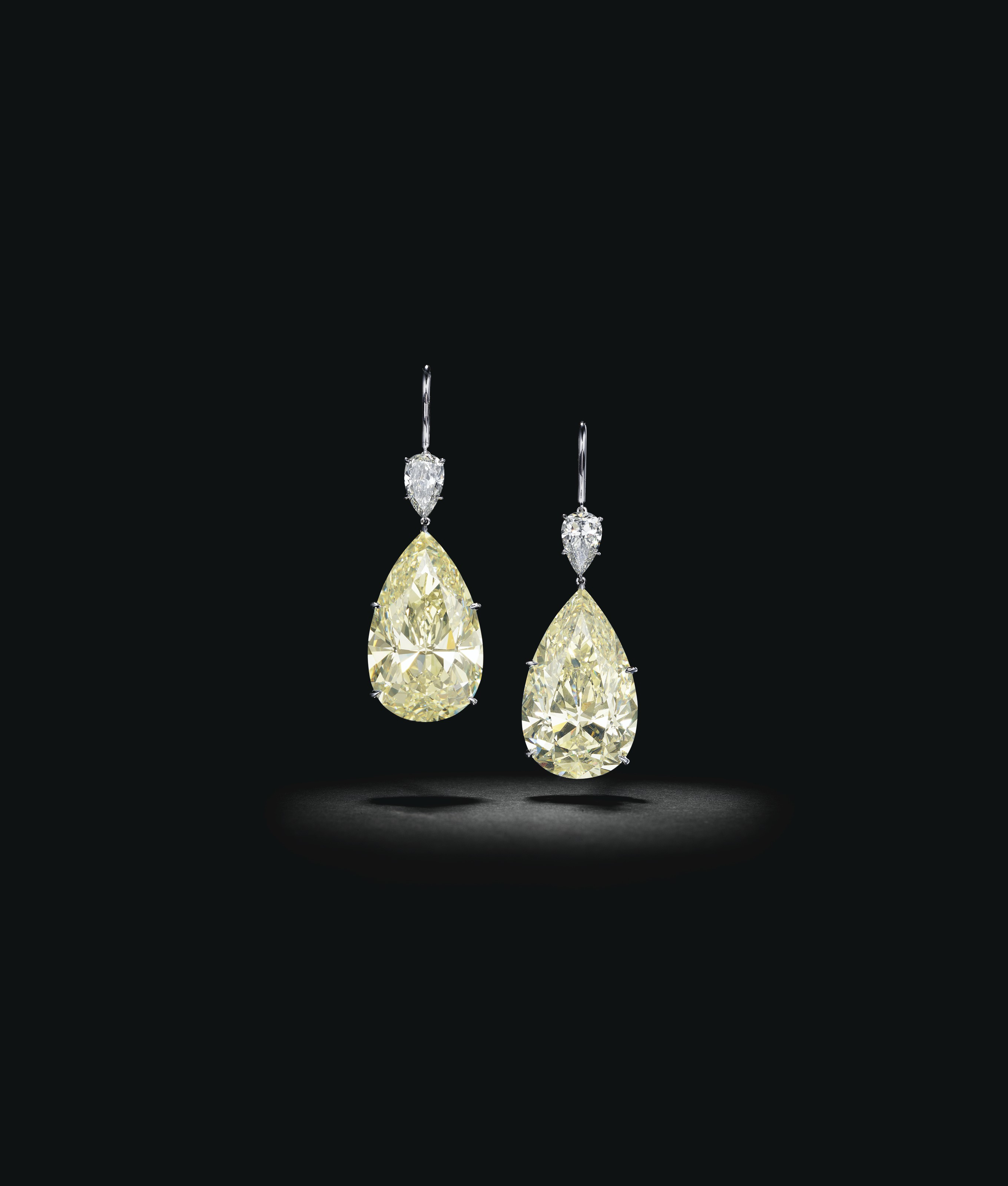 MAGNIFICENT DIAMOND EARRINGS