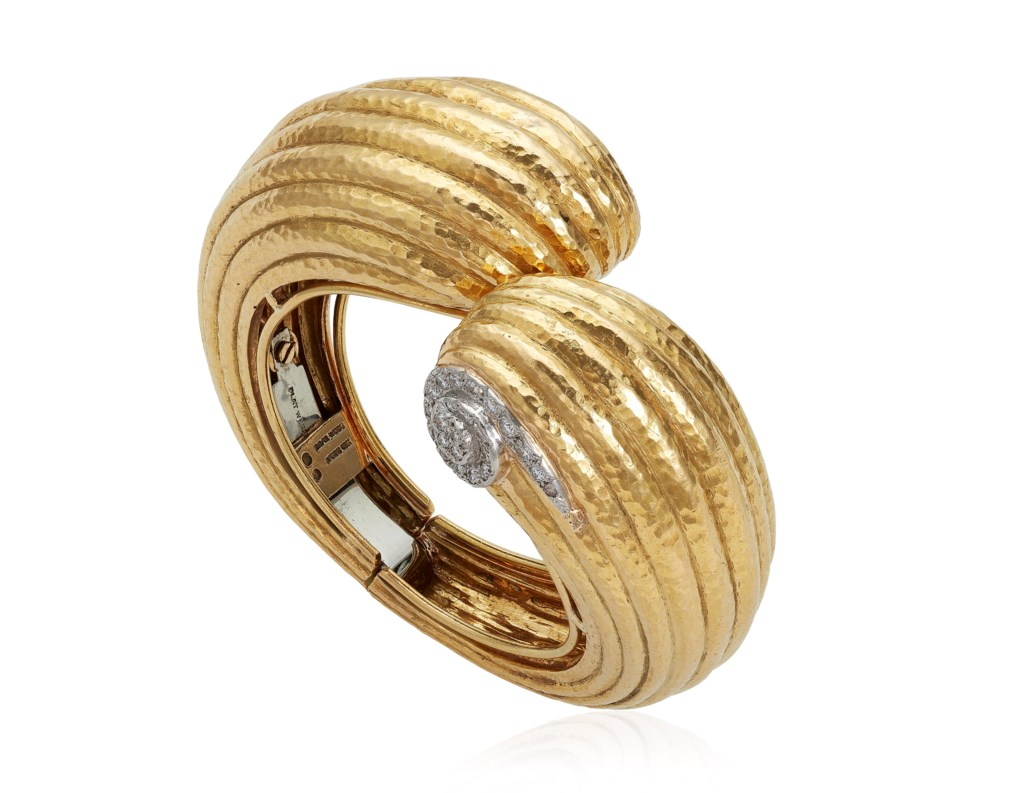 DAVID WEBB GOLD AND DIAMOND BANGLE BRACELET
