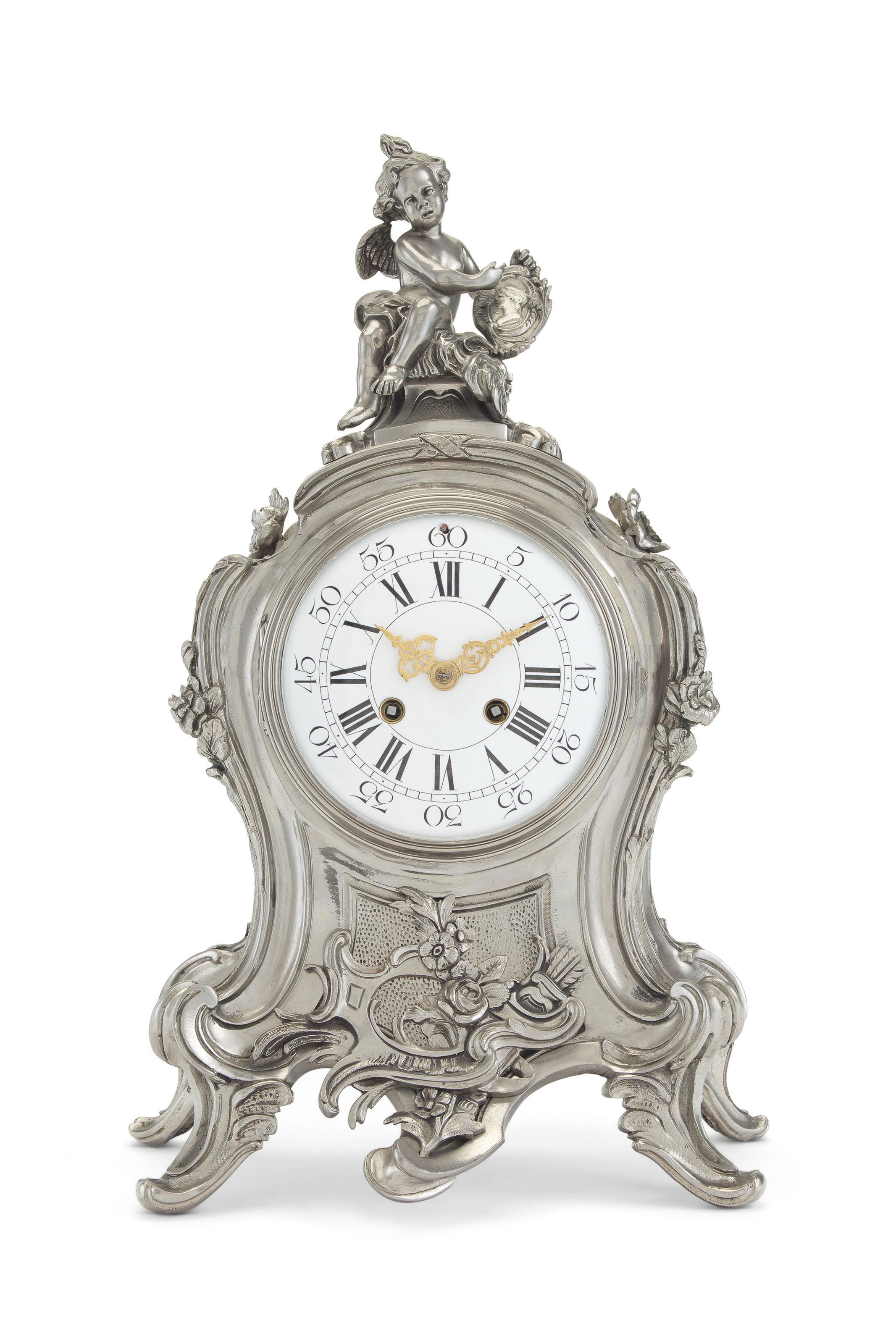 Gilt metal mantel clock