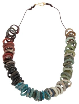 A ROMAN GLASS RING NECKLACE