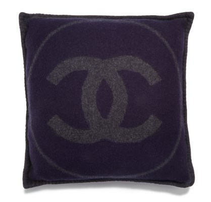 A NAVY & CHARCOAL WOOL & CASHMERE PILLOW