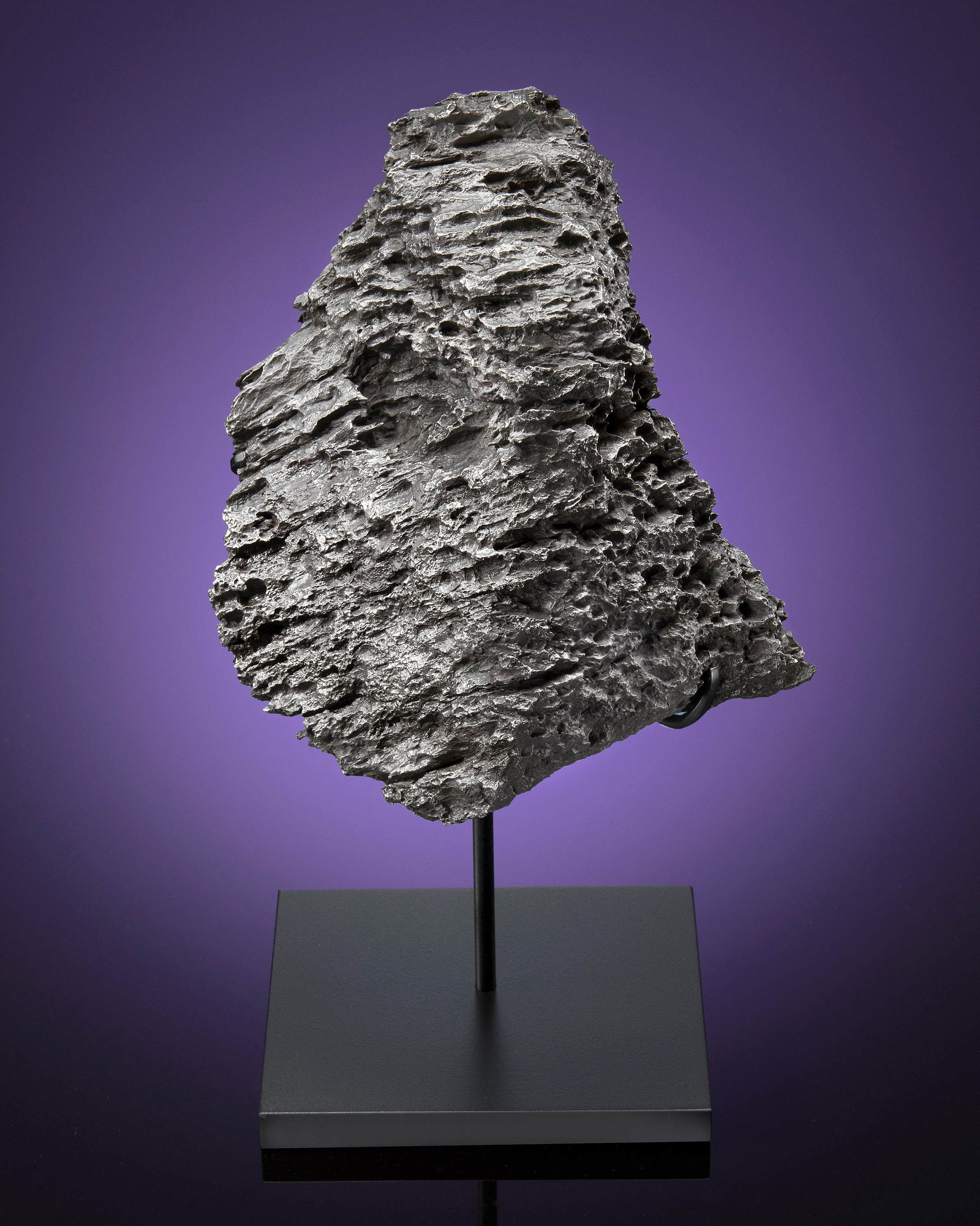 DRONINO METEORITE — NATURAL TABLETOP SCULPTURE FROM OUTER SPACE
