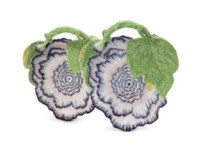 A PAIR OF CHELSEA PORCELAIN PEONY-FLOWER STANDS