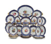 A SPODE PORCELAIN BLUE-GROUND PART DINNER AND DESSERT SERVICE