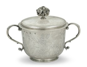 A CHARLES II SILVER PORRINGER AND COVER