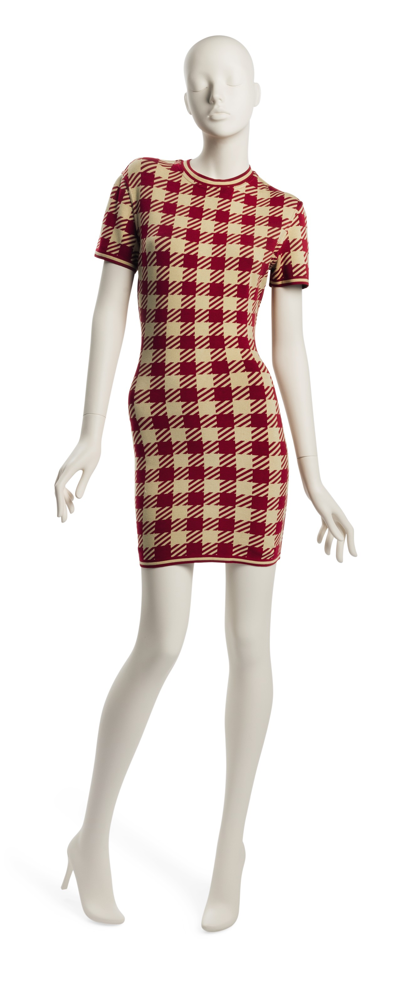 A RED & WHITE CHECKERED SHORT SLEEVE DRESS
