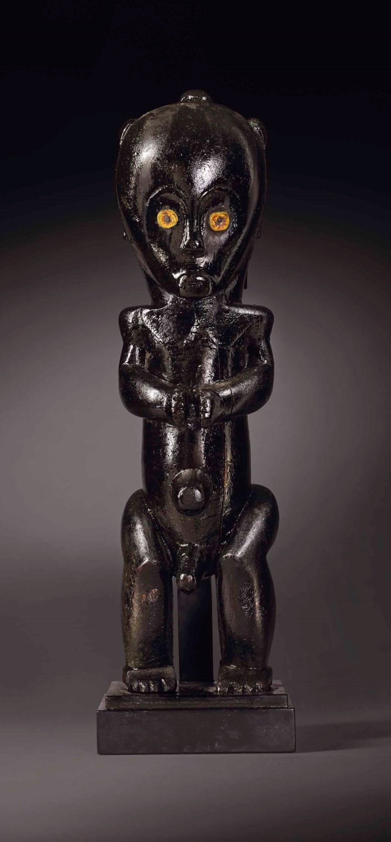 Fang reliquary figure, eyema byeri, Gabon. Height 50cm (19in). Estimate €1,500,000-2,500,000. This lot is offered in Arts dAfrique, dOcéanie et dAmérique on 10 April 2018  at Christie's in Paris
