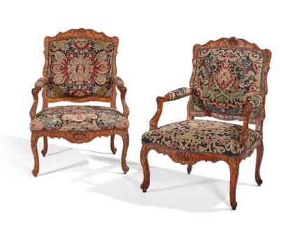 PAIRE DE FAUTEUILS DE LA FIN DE LEPOQUE REGENCE - A-Z Of Furniture: Terminology To Know When Buying At Auction