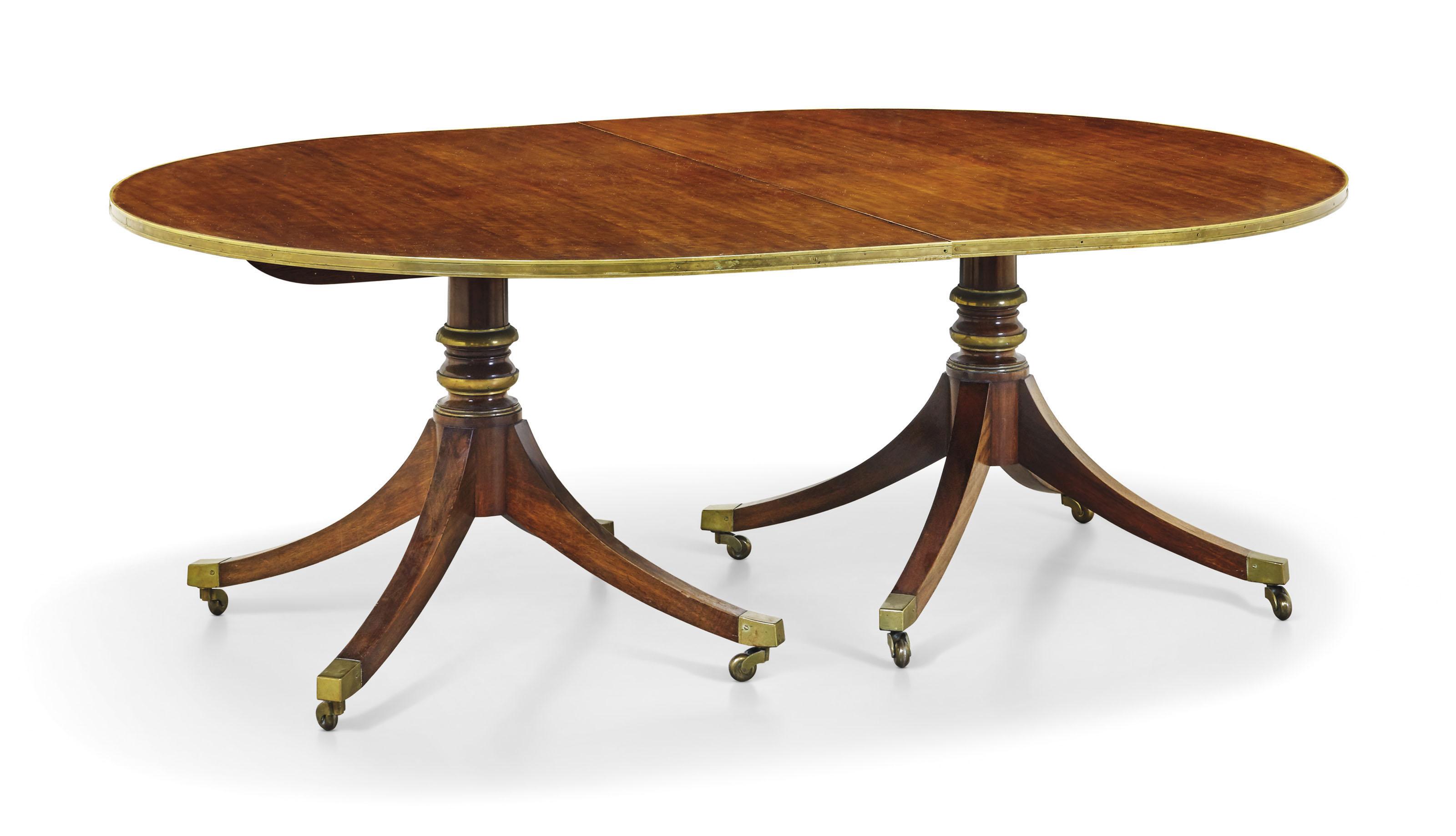 Table De Salle A Manger De Style Regency Angleterre Xxe