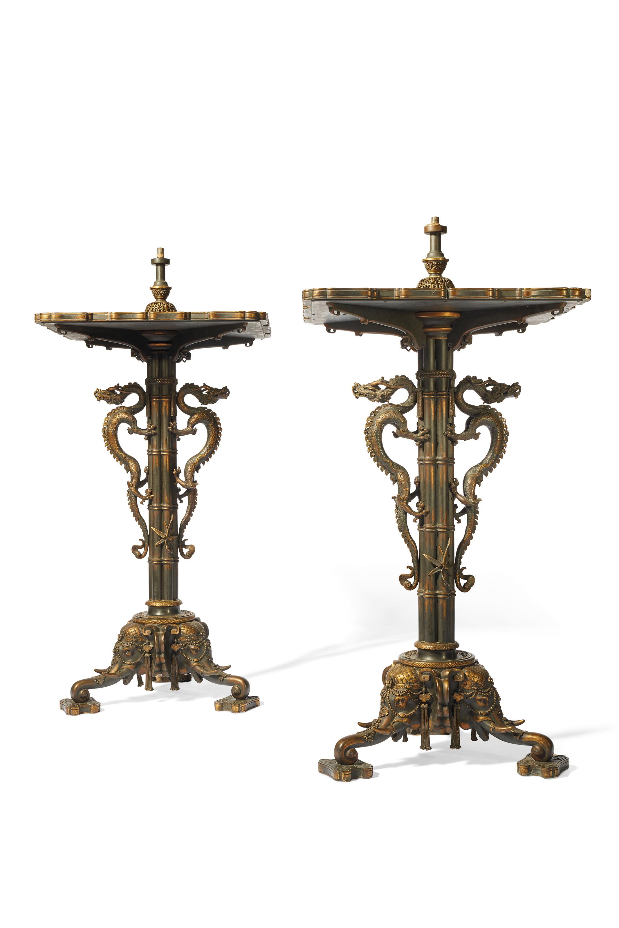 Paire De Vases Monumentaux En Emaux Cloisonnes Montes Sur Leurs