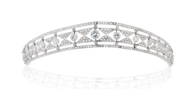 EARLY 20TH CENTURY DIAMOND TIA