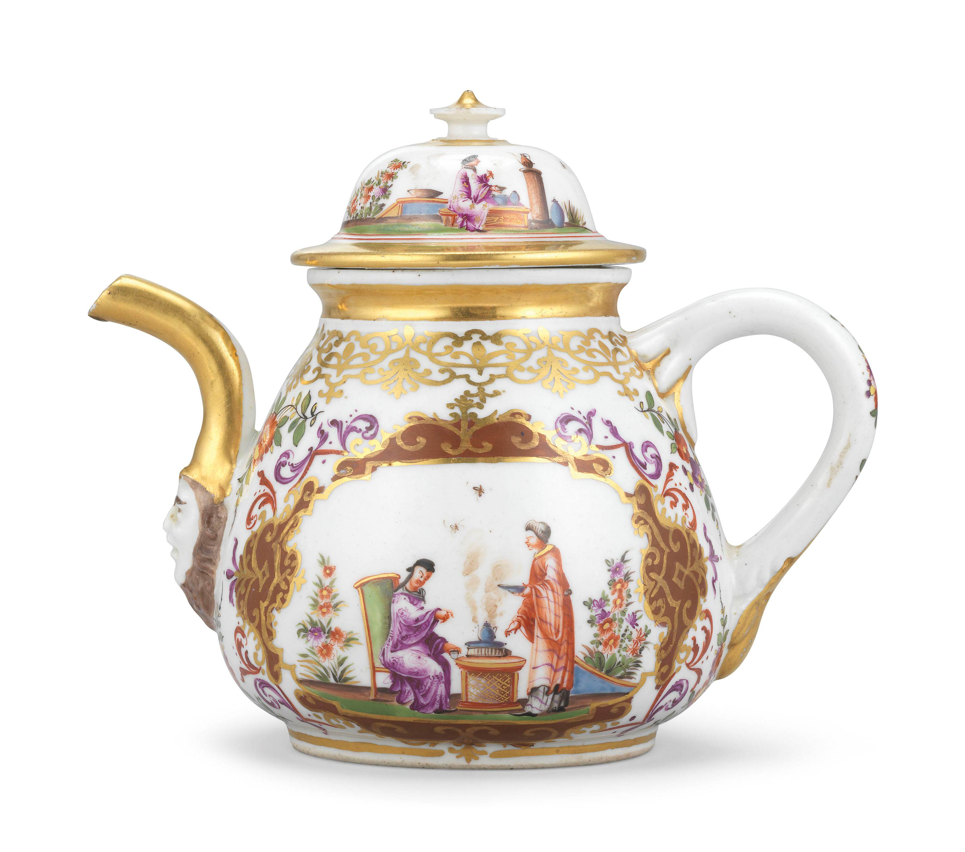 A MEISSEN PORCELAIN TEAPOT AND COVER