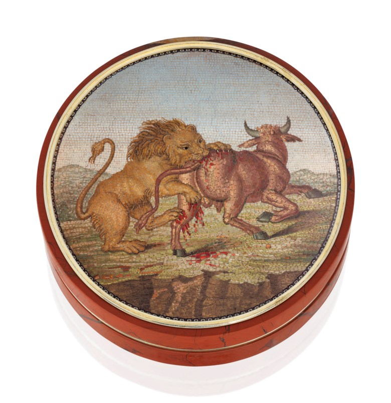 An Italian gold-mounted hardstone bonbonnière set with a micromosaic plaque, by Ignazio Vescovali (1791-1838), Rome, circa 1800. 3⅛  in (80  mm)  diam. Estimate £20,000-25,000. Offered in Gold Boxes on 3 July 2019 at Christie's in London