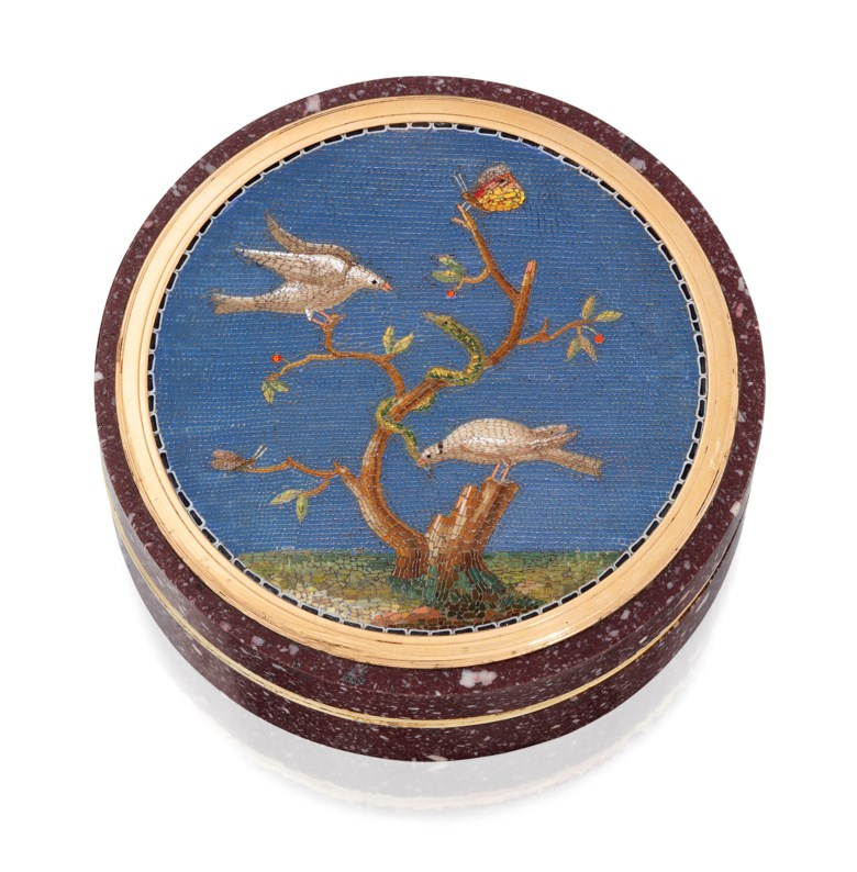 An Italian silver-gilt mounted hardstone bonbonnière set with a micromosaic plaque, Rome, circa 1800. 2¾  in (70  mm)  diam. Estimate £8,000-12,000. Offered in Gold Boxes on 5 December 2019 at Christie's in London