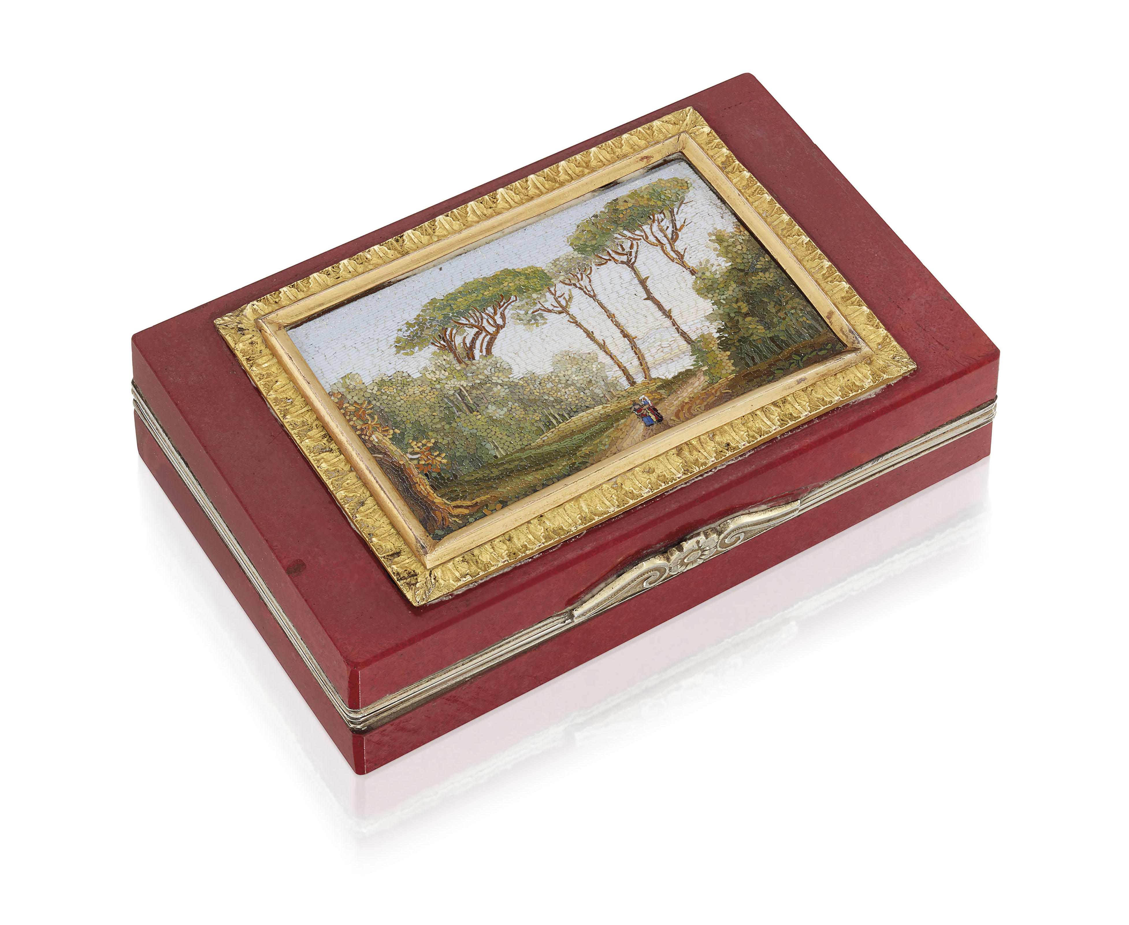 AN ITALIAN SILVER-GILT MOUNTED SNUFF-BOX SET WITH A MICROMOSAIC PLAQUE
