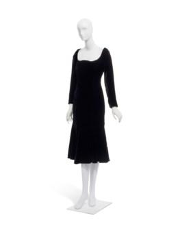 23106423a1e3 YVES SAINT LAURENT HAUTE COUTURE FALL WINTER... A BLACK VELVET COCKTAIL  DRESS