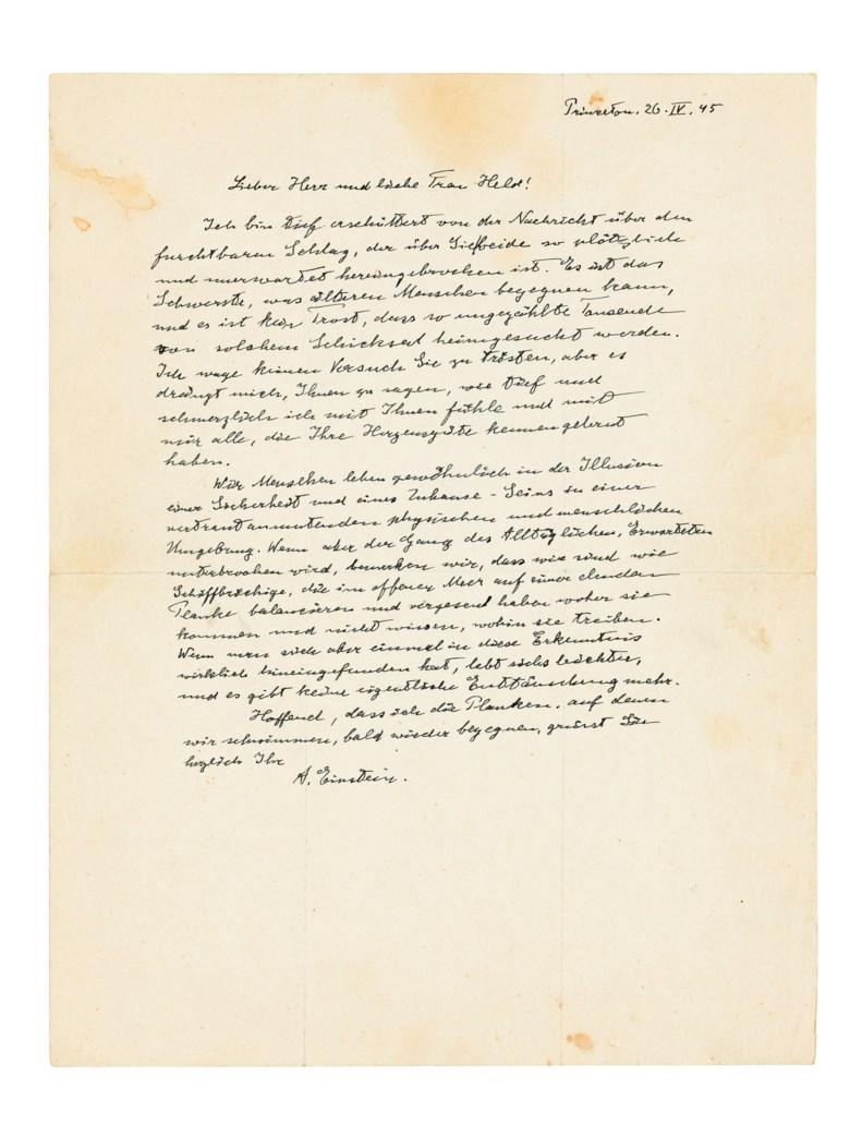 <我们就像遭遇海难的人>,阿尔伯特‧爱因斯坦,1945年4月26日。一封以黑色幽默作结的慰问信。此作于2019年5月16至23日在「巨人的肩膀上」网上拍卖中售出,成交价22,500英镑