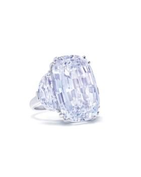 SUPERB DIAMOND RING