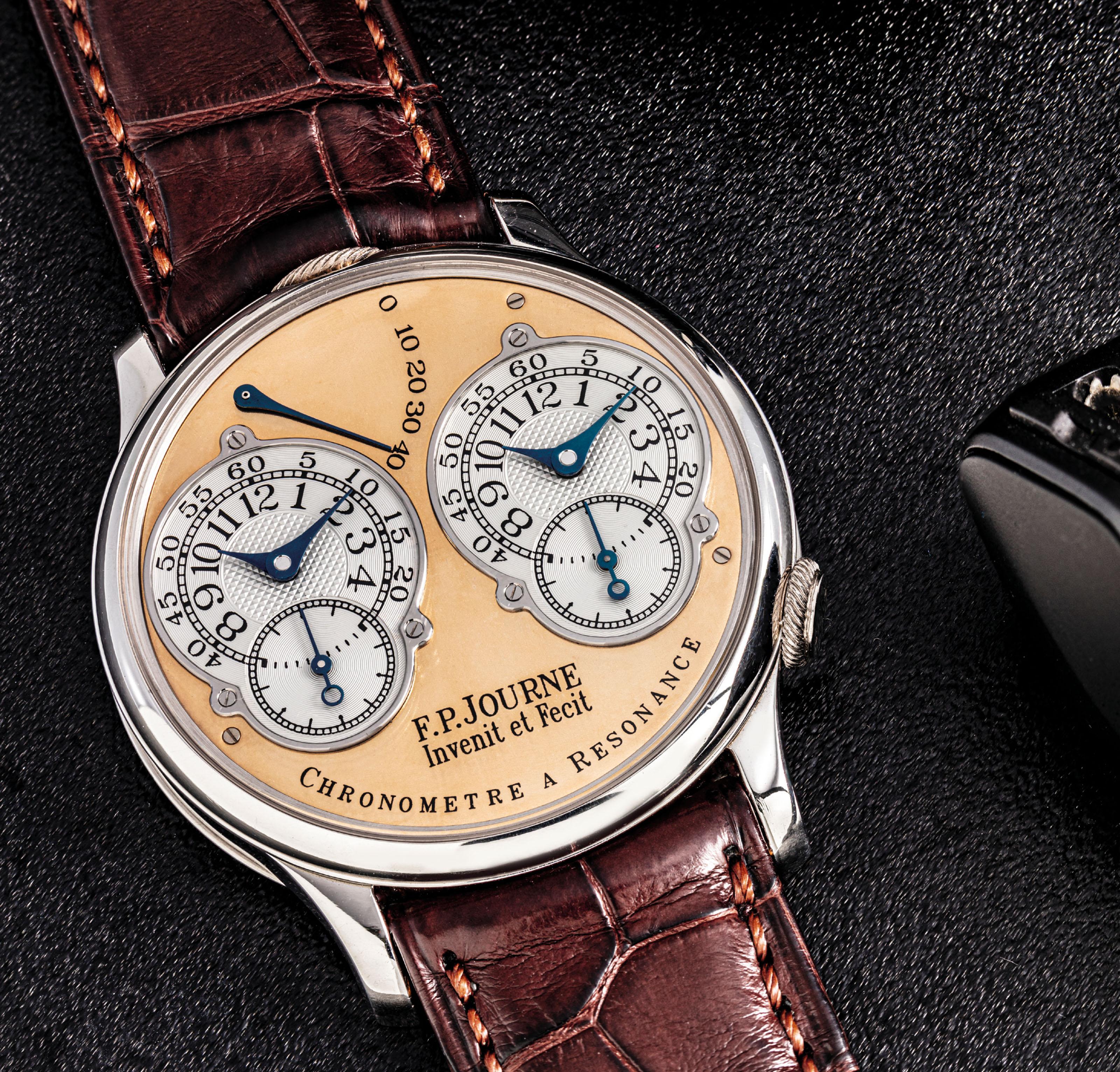 F.P. JOURNE. A FINE PLATINUM DUAL TIME CHRONOMETER WRISTWATCH WITH RESONANCE-CONTROLLED TWIN INDEPENDENT GEAR-TRAIN MOVEMENT AND POWER RESERVE