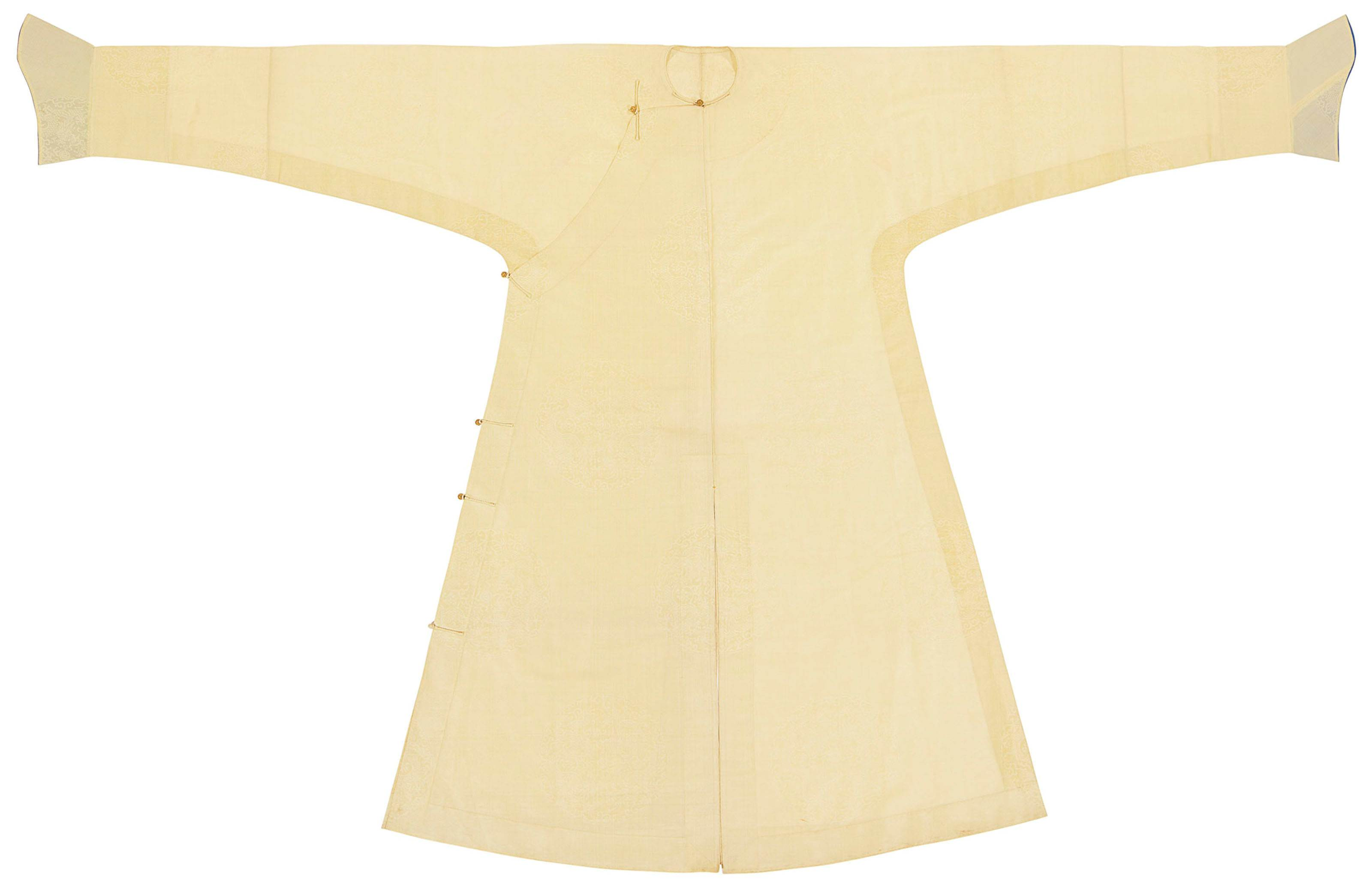 AN EXTREMELY RARE PALE YELLOW GAUZE MAN'S ROBE, CHANGFU