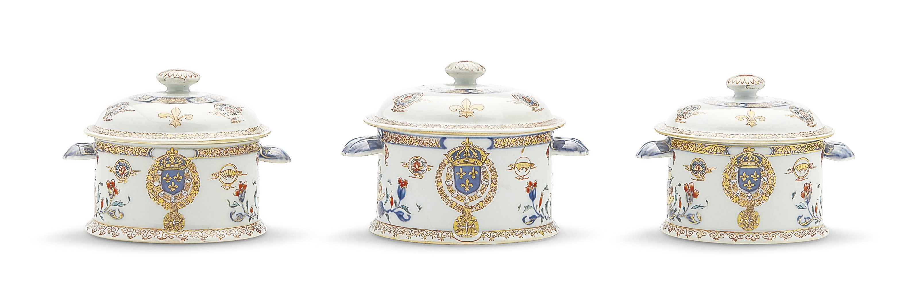 A SET OF THREE GRADUATED FRENCH ROYAL ARMORIAL ECUELLES AND COVERS
