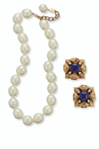 TWO PIECES OF FASHION JEWELRY,
