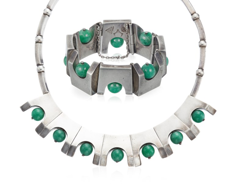 Antonio Pineda set of aventurine quartz and silver jewellery. Dimensions 39.1 cm length, 2.4 cm at widest point (necklace); 17.8 cm inner circumference, 2.4 cm width (bracelet). Estimate $1,200-1,800. Offered in  Christies Jewels Online, 10-18 April 2019, Online