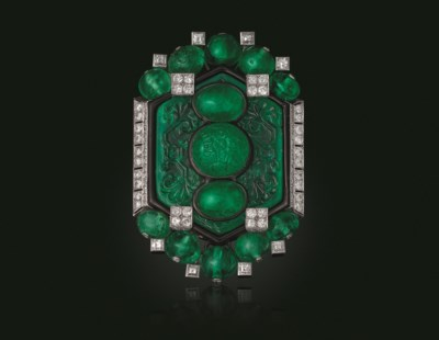 AN ART DECO EMERALD, DIAMOND A