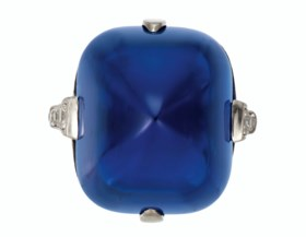 A SUPERB BELLE ÉPOQUE SAPPHIRE AND DIAMOND RING